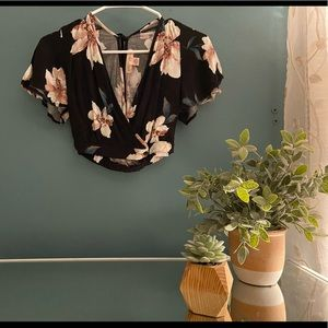 Band of Gypsies floral cropped v neck